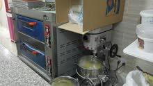 محل حلويات بكامل معداته للبيع بالكامل مع الموقع أو للضمان بدفعة ...