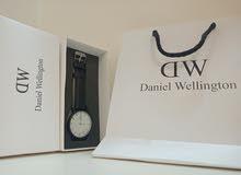 ساعة DW Watch       +  الشنطه + البوكس      ساعة دانيال ولينجتون DW