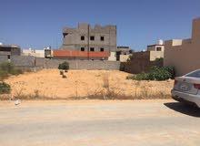 قطعة ارض فى منطقة عين زاره فى الكحلى داخل مقصم سكنى مساحه 930 م سعر المتر 400 دينار