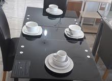طاولة اكل لون اسود زجاج قابلة للزيادة مقاس 1.50 *80