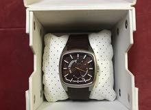 ساعة ديزل اصلية أمريكية مع العلبة والاوراق جديدة لم يتم ارتداءها .