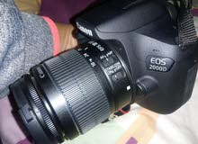 كاميرا cannon موديل EOS - 2000D استخدام خفيف جدا بحالة ممتازة جدا ..