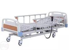 سرير طبي اربع حركات كهربائي استعمال 3 اشهر.