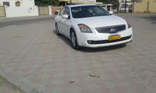 White Nissan Altima 2009 for sale