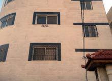 شقة فاخرة طابق اول بسعر مغري