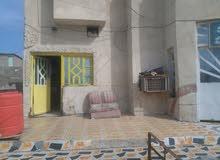ابو الخصيب قرب شارع في منطقه الاسمد