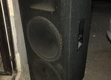 سماعات للبدل بحجم 750 واط بنفس ألقوه ذات الاستاند