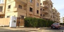 عــــرض مميز وحصرى شقة بمدينة الشروق 210م + حديقة 60متر متشطبة