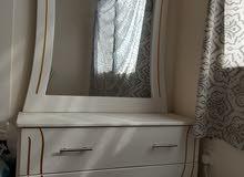 غرفة نوم شبه جديده للبيع