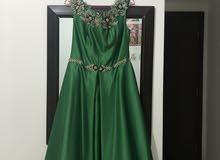فستان سهرة أو عرس لون أخضر