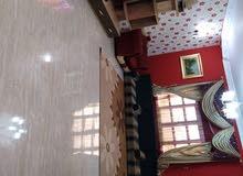 منزل فالفعكات علي طريق قطران  شارع من بدايته محلات وشيل منطقه كلها سكنيه