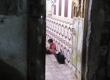 دار تجاوز يتكون من غرفتين نوم وصاله ومطبخ صحيات يقع على الشارع العام