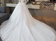فستان عروس بقيمة بأيدي الجميع للبيع