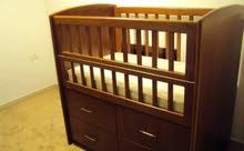 سرير اطفال شبه جديد بحالة ممتازة جدا
