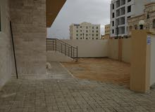 شقة للبيع في شاطئ الدهاريز بمبنى جديد والأثاث جديد بجوار الدهاريز
