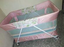 سرير اطفال كبير يكفى لتوام بالمرتبة