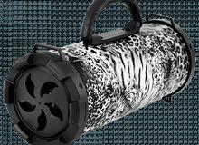 سبيكر بالشحن بحجم متوسط يدعم الراديو والفلاش والممري والبلوتوث وصوت قوي جدا