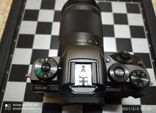 canon eos m5 mirrorless with/18-150mm usm lens black