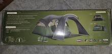 خيمة 2 قبة جديدة مصنوعة من البلاستيك والالياف الزجاجية .