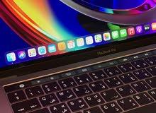 MacBook Pro four thunderbolts 3 Ports