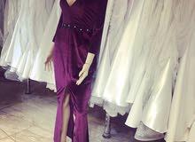 فستان مخمل تصميم خاص
