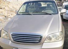 كيا كرنفال موديل 2005 بسعر 5200غير قابل للتفاوض ماتور 2500