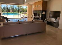 فيلا راقية للإيجار 7 غرف عصرية بمدينة مراكش الساحرة بالمغرب