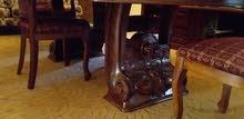 السلام عليكم طاولة أكل طول 2.40ميترو والعرض1.20ميترو ومعها 4كراسي