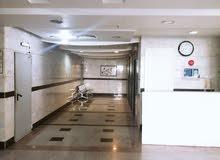 غرف للايجار الشهري العزيزية بجوار البلدية
