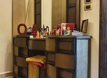 غرفه اخشاب + قنفات. مستعمل