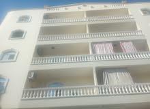 شقة مفروشة شارع شيراتون 3 غرف 3 مكييفات