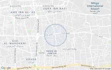 امبني في سوق الجمعه - اربعه الشوراع لي قبل الشيل علي يمين
