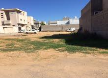 قطعة ارض للبيع 300م وجهتين مقسم ممتاز منطقة فرحات بالقرب من الجزيرة الجديدة