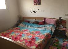 غرفة نوم مع مرتبة
