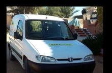 """بيجو بارتنر نقل تجارية """" سيارة بحالة ممتازة 2004 محرك 14 """""""" بنزينة """"""""السعر 12500"""