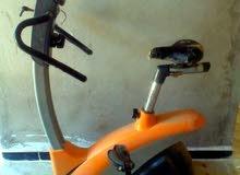 مطلوب جهاز دراجه رياضيه ثابته نفس الصوره .لي عنده يتواصل كعي