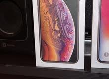 Iphone Xs 64 gb gold  للبيع الجهاز نظيف ولا خبش استعمال يوم فقط بكامل الملحقات