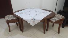 طاولة كبيرة مع 2 صغار  لغرفة جلوس