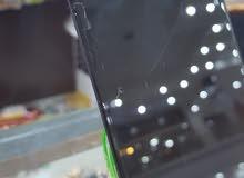 للبيع شاشة ايفون 7وكالة فيها شرخ بسيط
