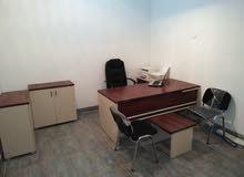 مكتب مستعمل استعمال بسيط جدا