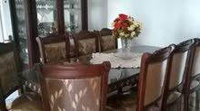 غرفة جلوس وغرفة طعام كاملة بحالة جيدة جدا