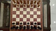 لوح شطرنج للبيع مصنوع من خشب البلوط