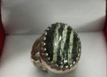 خاتم يشم مخطط اخضر زيتي