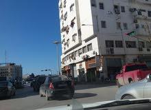 شقه في سنتر شارع النصر وبو مشمامه