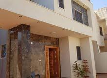 فيلا سكنية راقية دورين نظام خليجي والحي رائع في عين زاره مدرسة جابر بن حيان