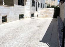 شقة مساحة 300 م² - في منطقة ام السماق للايجار فارغة