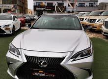 Lexus ES 2019 For sale - Grey color