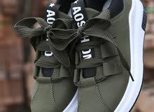 حذاء جديد لون اخضر زيتي مقاس 39