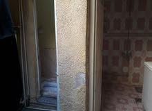 بيت في بغداد المنصور الاسكان مساحه 135 البيع كالمل او نصفين