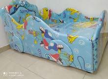 سرير أطفال نضيف جدا